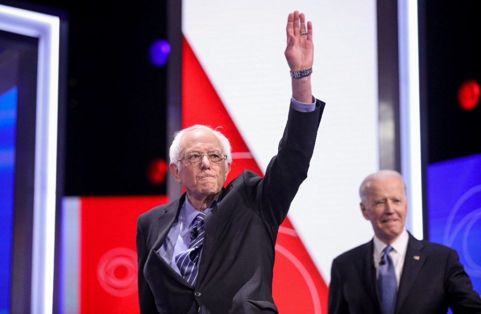 Despite a string of losses to Joe Biden (R), Bernie Sanders (L) says he's staying in the nomination race - Logan Cyrus / ©AFP