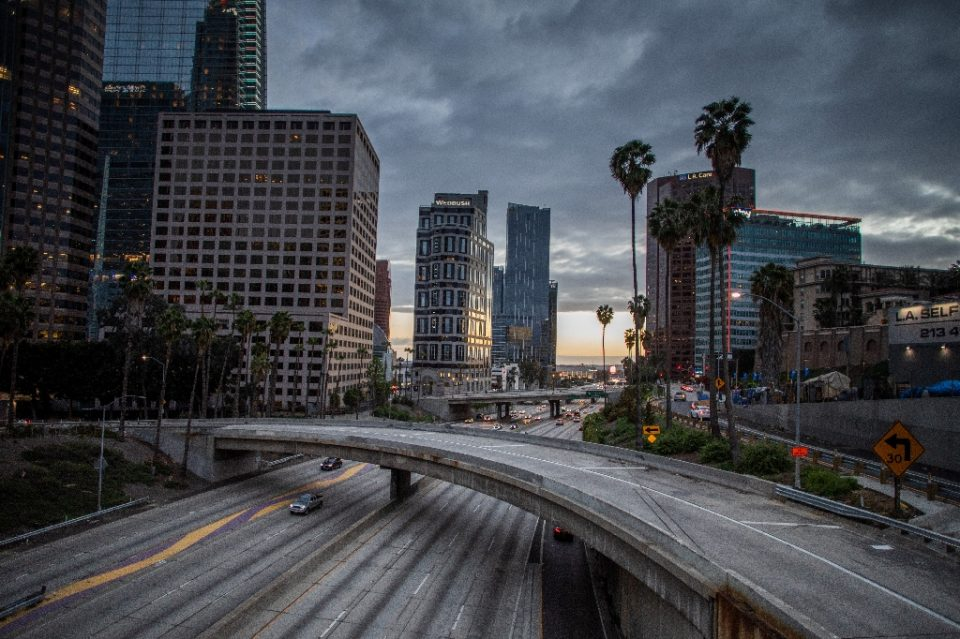 The 110 Freeeway is seen in downtown Los Angeles, California on March 15, 2020. Bars, restaurants and nightclubs in Los Angeles were ordered to close from midnight on Sunday until March 31 as US cities take drastic action to halt the spread of the deadly coronavirus - Apu GOMES / ©AFP