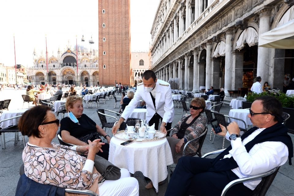 """""""Italy is slowly creeping back to life, but its PM has come under fire for his handling of the virus crisis - ANDREA PATTARO / ©AFP"""""""