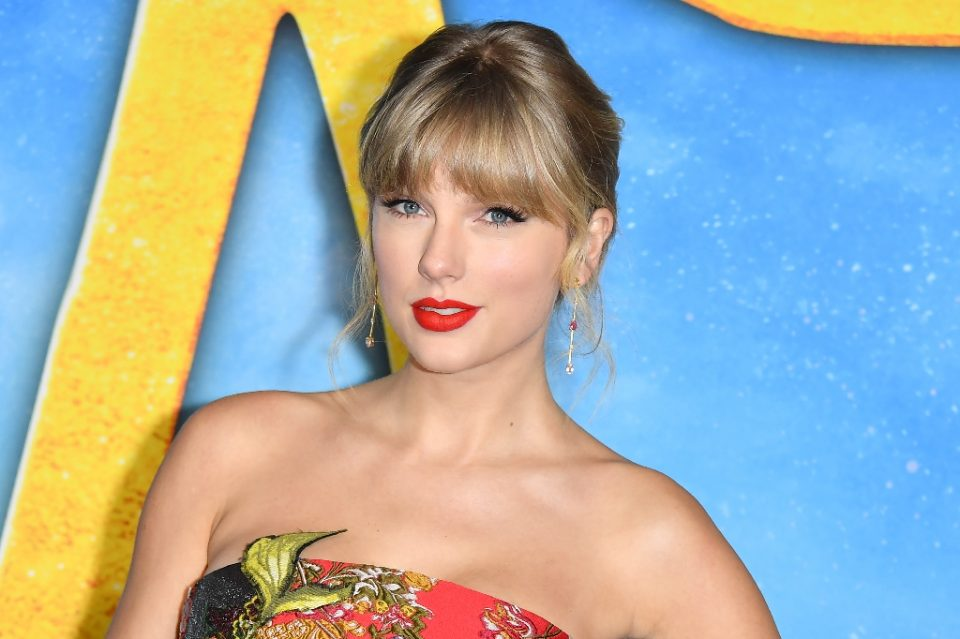 """Taylor Swift will release her eigth studio album, """"Folklore,"""" at midnight on July 23, 2020 (AFP Photo/ANGELA WEISS)"""