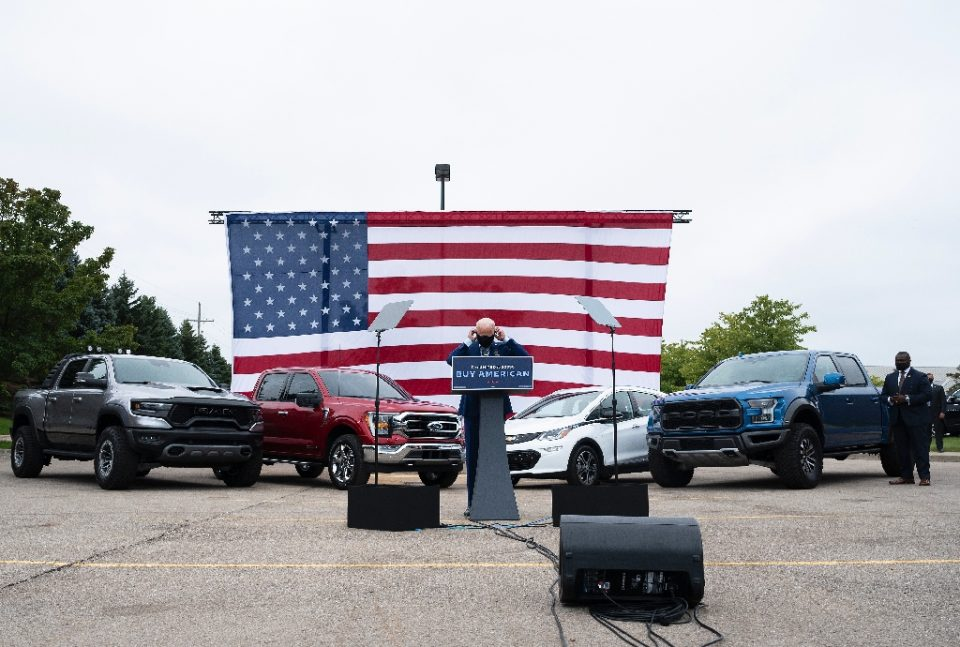 White House hopeful Joe Biden used an all-American backdrop of cars and flags as he stumped in Warren, Michigan on September 9, 2020, although one traditional campaign trail element was missing: voters - JIM WATSON / ©AFP