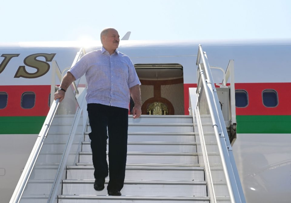 Lukashenko arrived in the Black Sea resort of Sochi, where Putin has a residence, making his first foreign trip since the election - Andrei STASEVICH / ©AFP