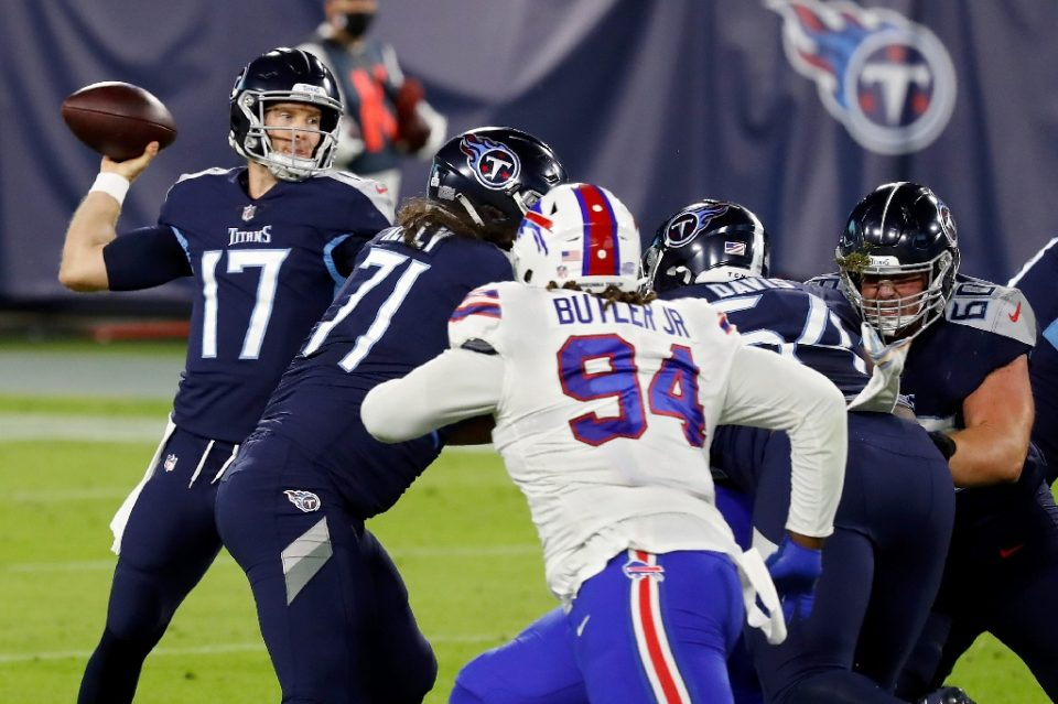 Tennessee quarterback Ryan Tannehill throws a pass in the first quarter against the Buffalo Bills as the Titans won a Covid-19-rescheduled battle of the unbeaten teams 42-16 in Nashville, Tennessee. - Frederick Breedon / ©AFP