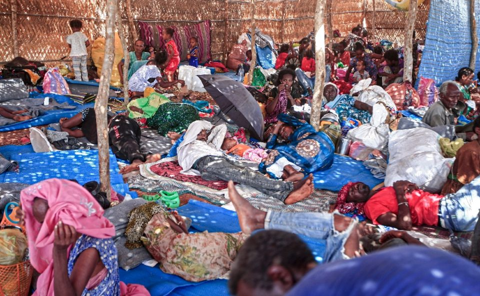 Ethiopian refugees who fled fighting in Tigray province lie in a hut at the Um Rakuba camp in Sudan's eastern Gedaref province - Ebrahim HAMID / ©AFP